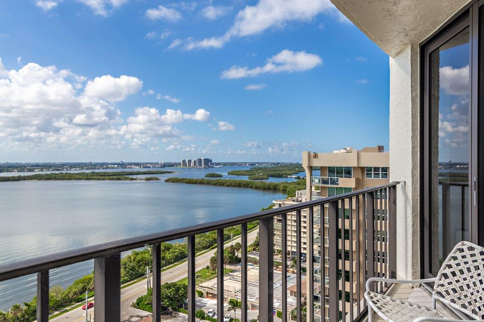5420 N Ocean Drive 1905 , Singer Island FL 33404 is listed for sale as MLS Listing RX-10469148 19 photos