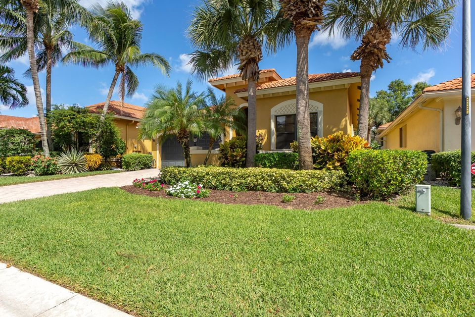 TIVOLI LAKES PUD home 10086 Noceto Way Boynton Beach FL 33437