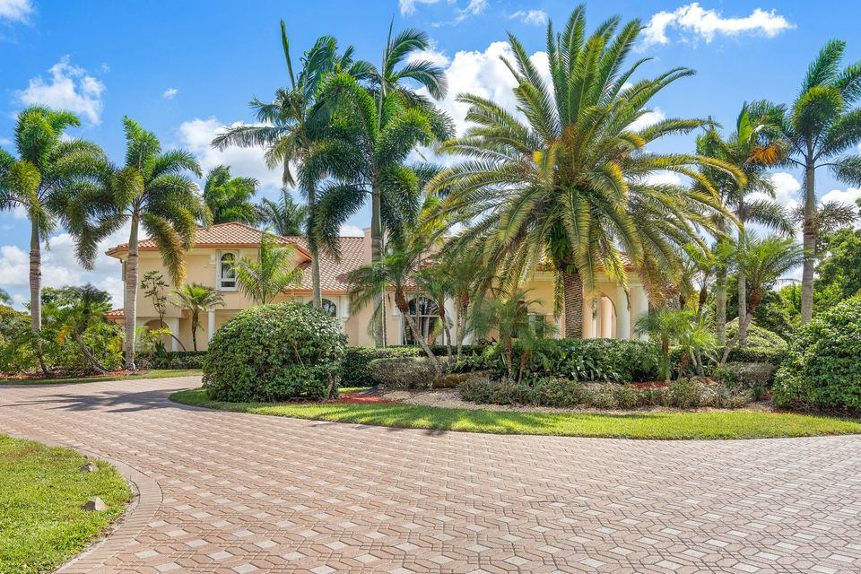 15390  Ocean Breeze Lane , Wellington FL 33414 is listed for sale as MLS Listing RX-10469572 photo #4