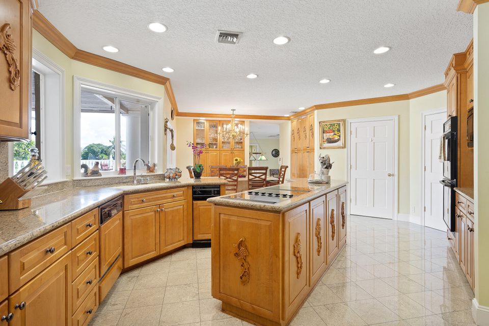 15390  Ocean Breeze Lane , Wellington FL 33414 is listed for sale as MLS Listing RX-10469572 photo #16