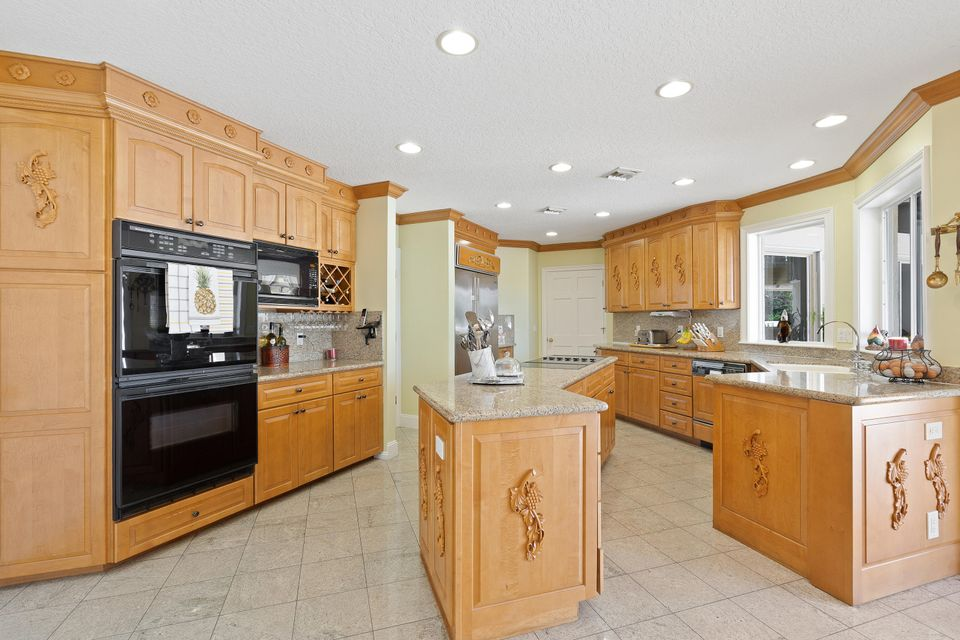 15390  Ocean Breeze Lane , Wellington FL 33414 is listed for sale as MLS Listing RX-10469572 photo #17