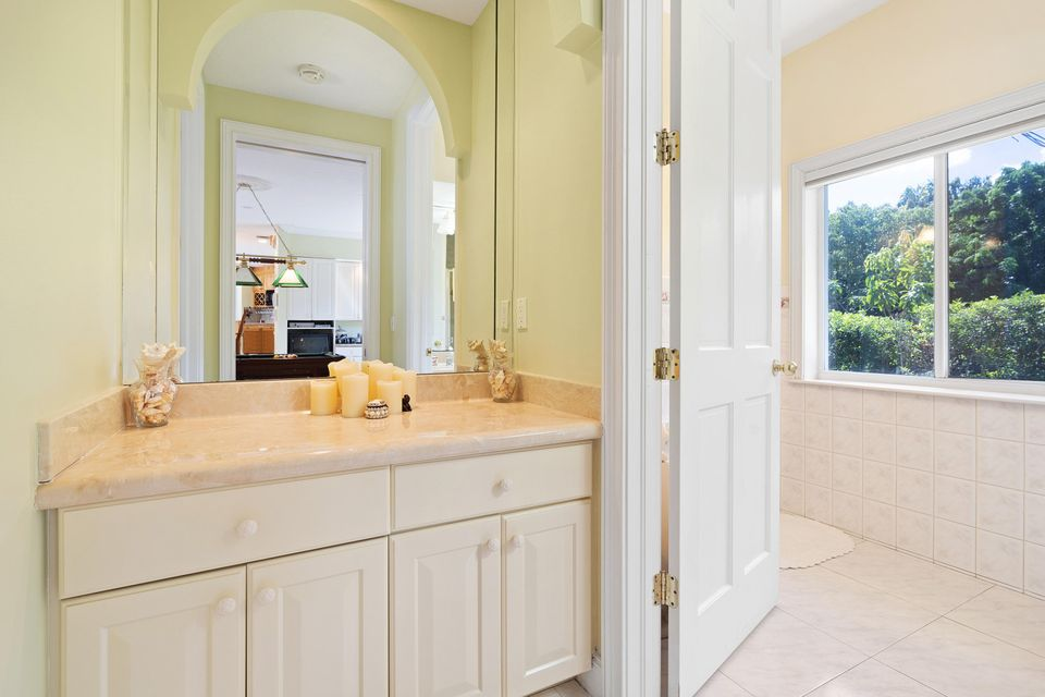 15390  Ocean Breeze Lane , Wellington FL 33414 is listed for sale as MLS Listing RX-10469572 photo #23