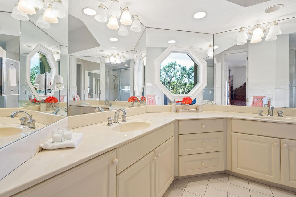 15390  Ocean Breeze Lane , Wellington FL 33414 is listed for sale as MLS Listing RX-10469572 photo #33
