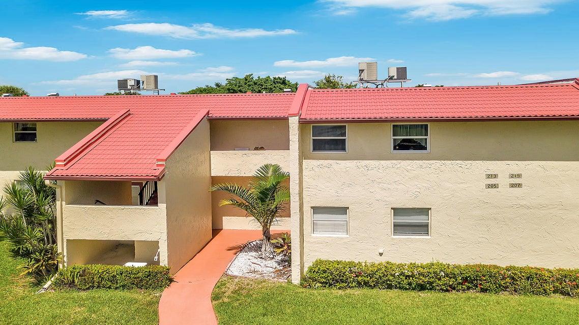 207 Golden River Drive West Palm Beach, FL 33411