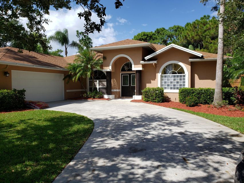 401 SE Southwood Trail , Stuart FL 34997 is listed for sale as MLS Listing RX-10467433 28 photos