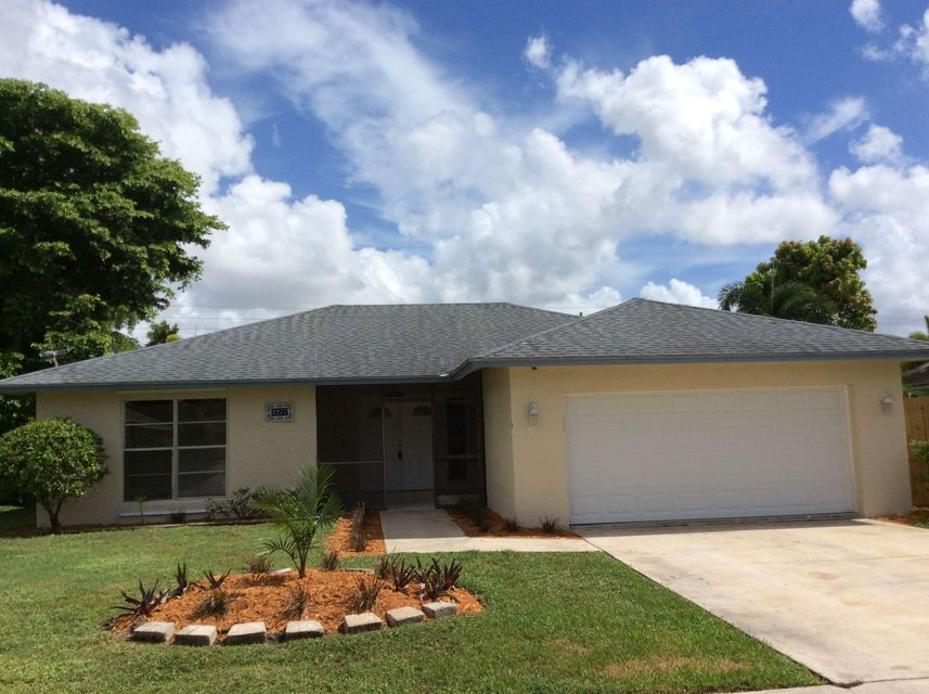 1277 Pinetta Circle Wellington, FL 33414