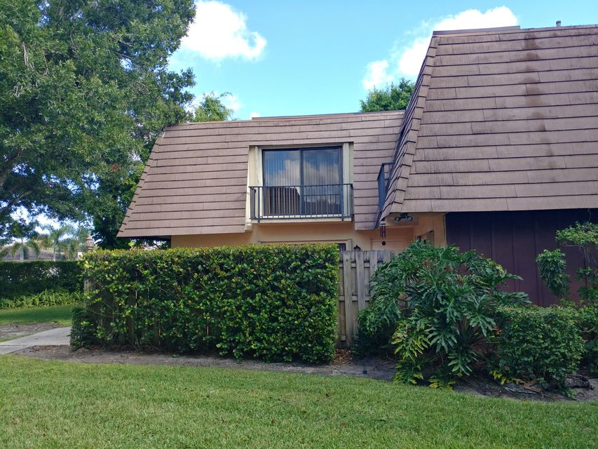 Home for sale in Miramar Townhomes Palm Beach Gardens Florida