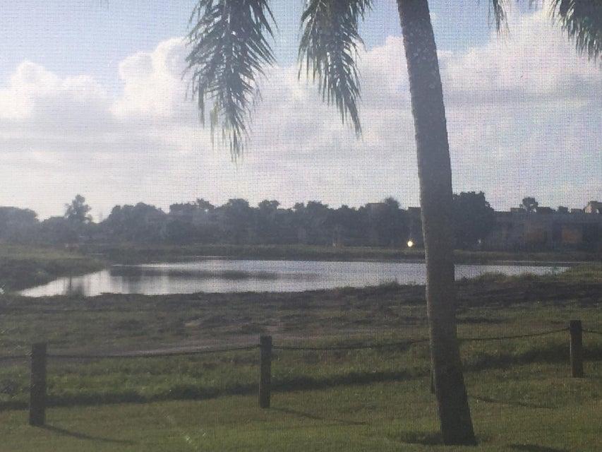 7270 Ashford Place #101  Delray Beach, FL 33446