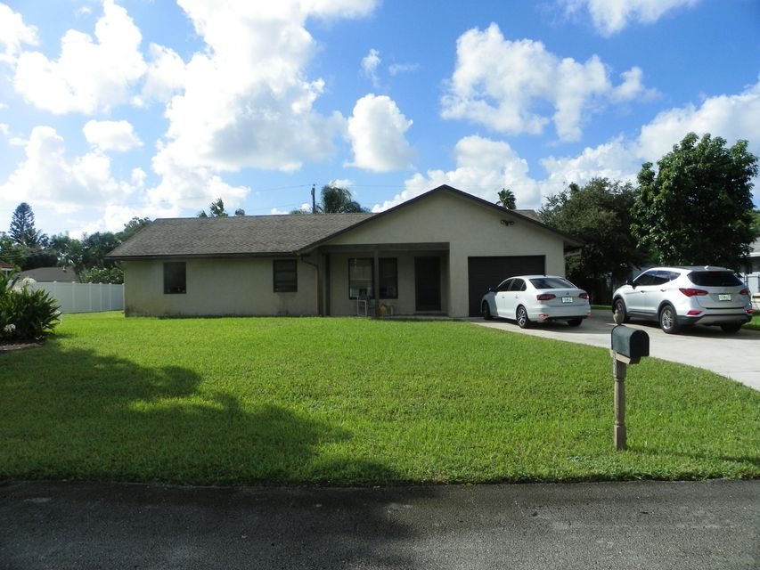 5438 Greenwood Drive  Delray Beach FL 33484