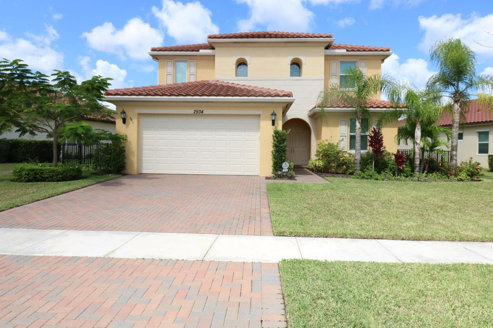 2934 Bellarosa Circle Royal Palm Beach, FL 33411