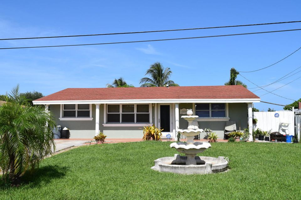 Home for sale in WPB West Palm Beach Florida