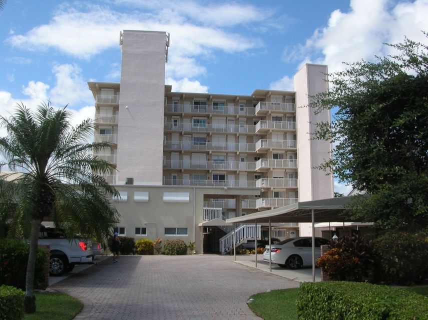 629 SE 19th Avenue 703 , Deerfield Beach FL 33441 is listed for sale as MLS Listing RX-10470368 23 photos