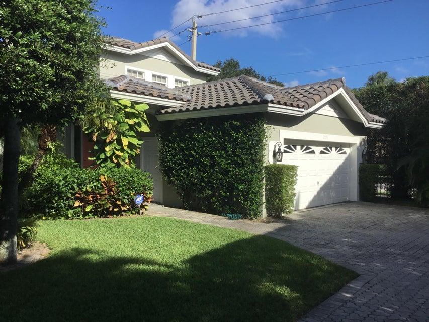 2193 Regents Circle West Palm Beach, FL 33409