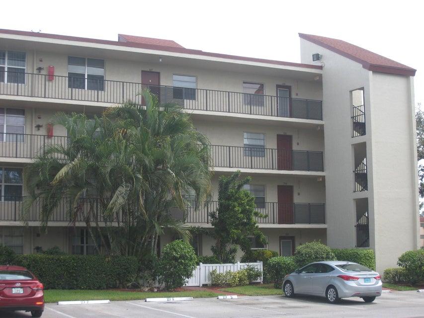 27 Abbey Lane 307  Delray Beach, FL 33446