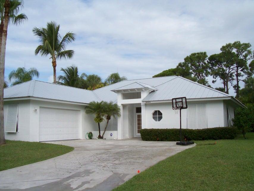 8523 SE Wilkes Place  Hobe Sound FL 33455