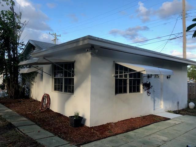 704 S Pine Street B Lake Worth, FL 33460