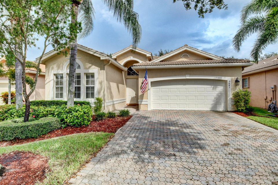 VALENCIA SHORES home 9843 Chantilly Point Lane Lake Worth FL 33467