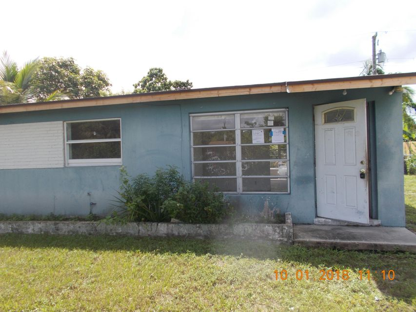 5410 Helene Place West Palm Beach, FL 33407