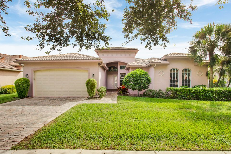 13582 Barcelona Lake Circle  Delray Beach, FL 33446