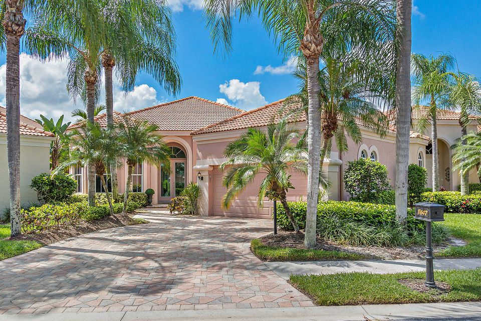 Home for sale in IBIS GOLF AND COUNTRY CLUB-FALCON GREEN West Palm Beach Florida