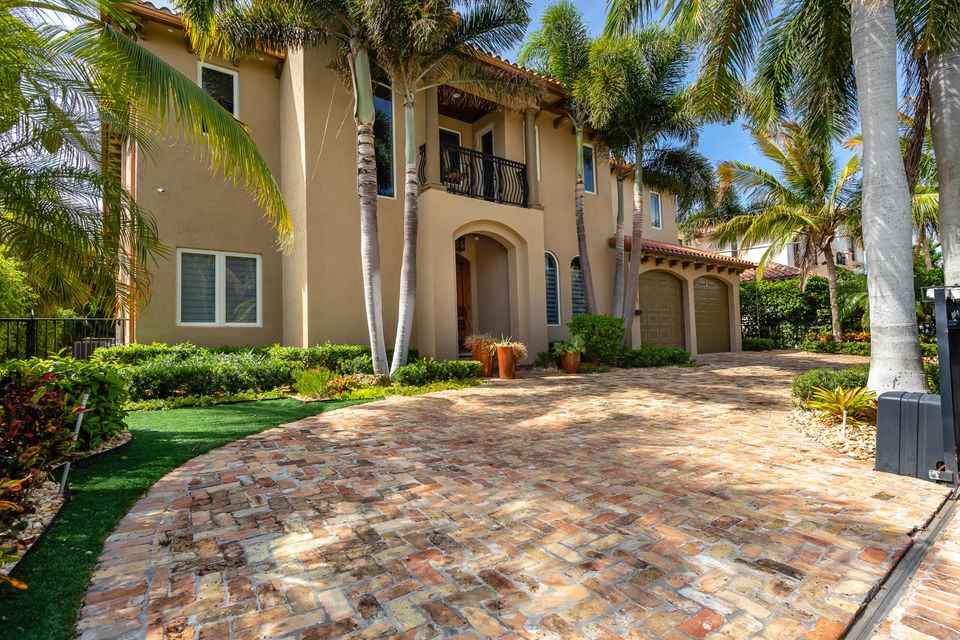 901 NE 4th Avenue  Boca Raton, FL 33432