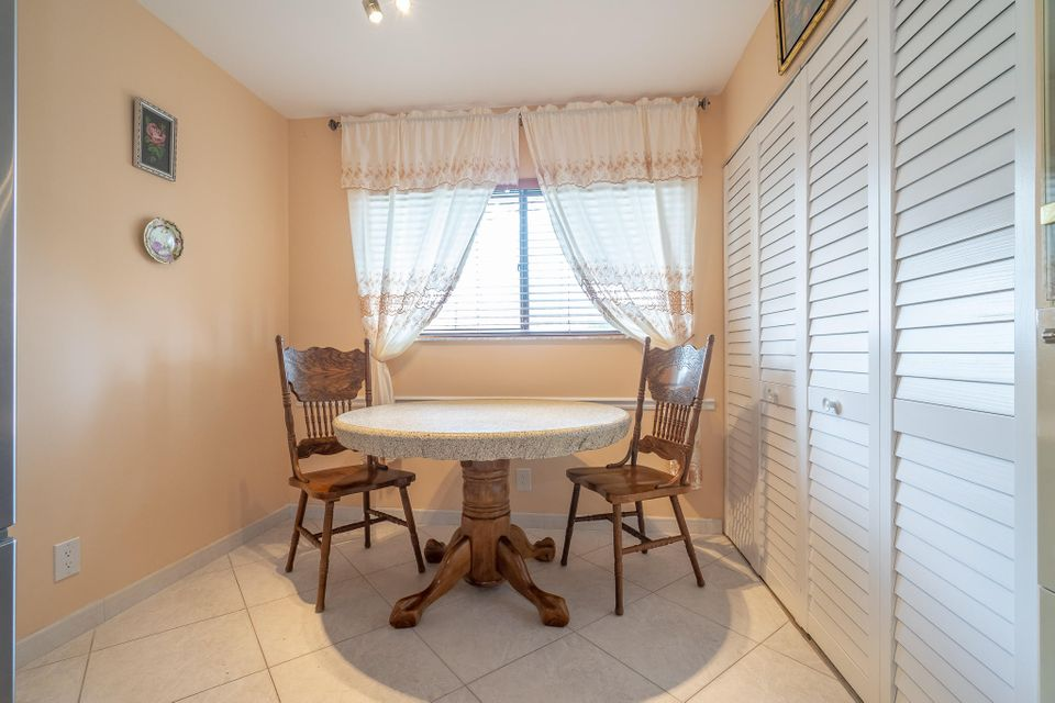 5574 Witney Drive 102 Delray Beach, FL 33484 small photo 4