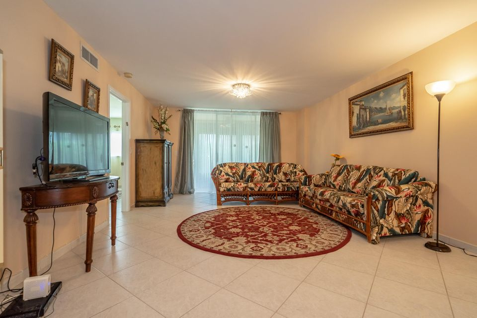 5574 Witney Drive 102 Delray Beach, FL 33484 small photo 7