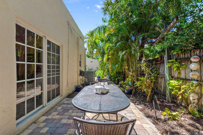 834 Upland Road West Palm Beach, FL 33401 photo 17