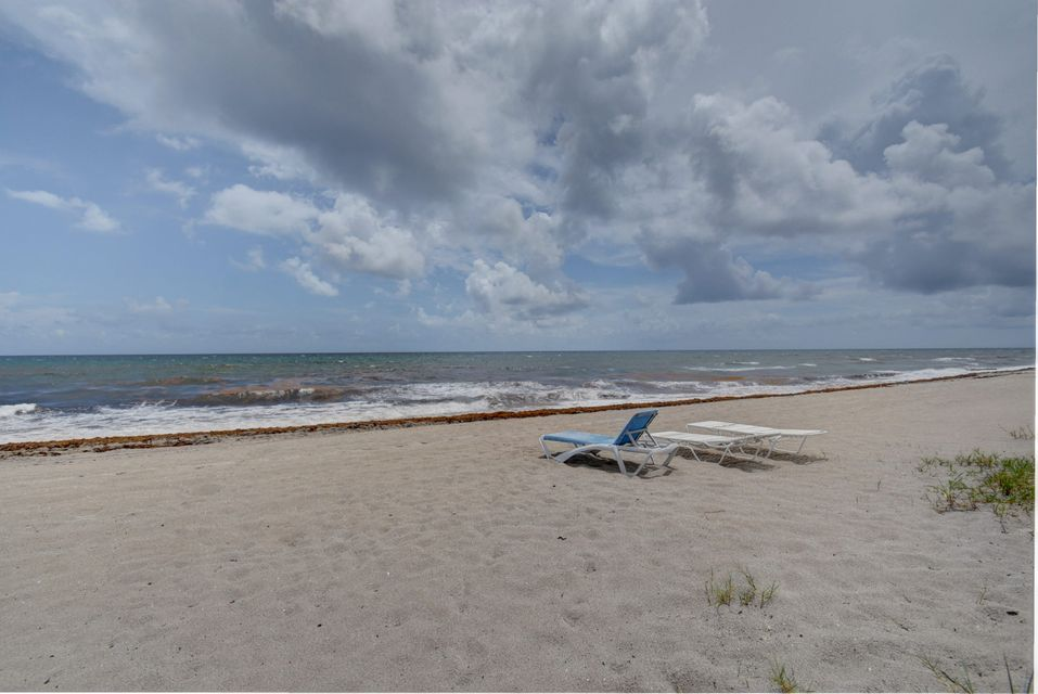 2175 S Ocean Boulevard 102  Delray Beach, FL 33483