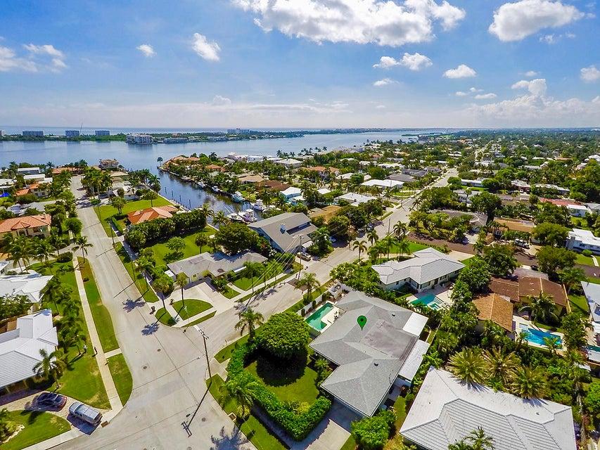 2415 N Lakeside Drive Lake Worth, FL 33460