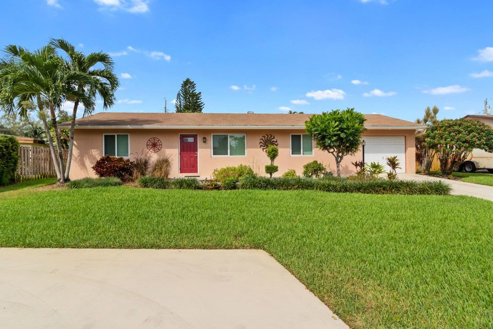 6733 Westview Drive Lake Worth, FL 33462