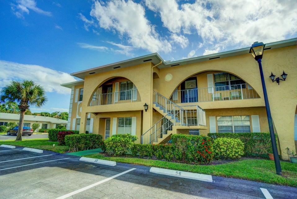 13924 Via Flora E  Delray Beach, FL 33484