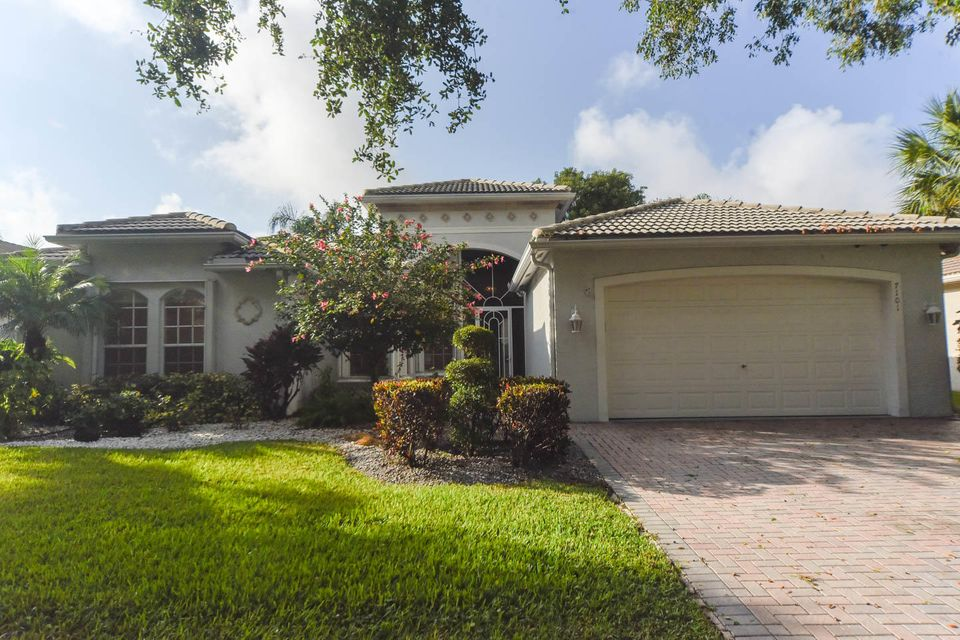 VALENCIA FALLS home 7101 Francisco Bend Drive Delray Beach FL 33446