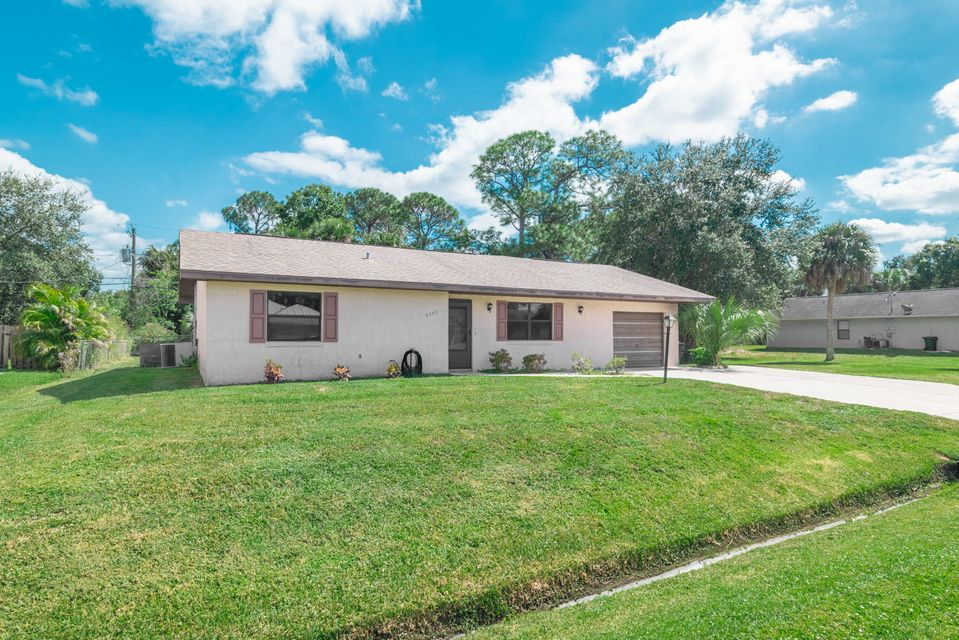2343 SW Woodridge Street, Port Saint Lucie, Florida