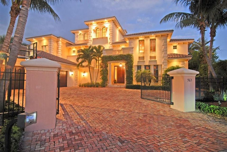 963 Evergreen Drive  Delray Beach, FL 33483