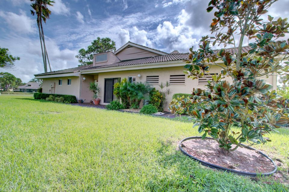 Home for sale in Fountains South TRS B-7 & B-8 Lake Worth Florida