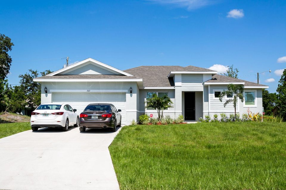 512 SW Tarra Avenue  Port Saint Lucie FL 34953