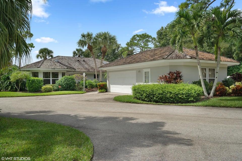 7398  Pine Creek Way, Port Saint Lucie, Florida