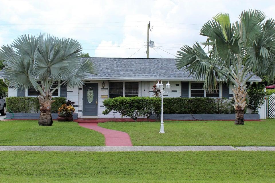 4942 Pine Knott Lane West Palm Beach, FL 33417