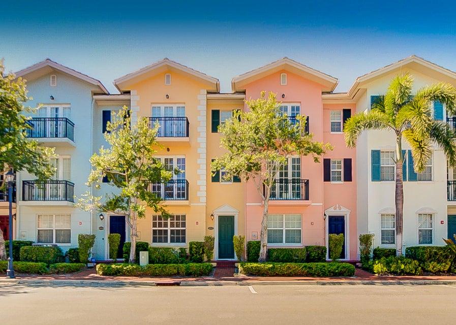 1008 E Heritage Club Circle  Delray Beach, FL 33483