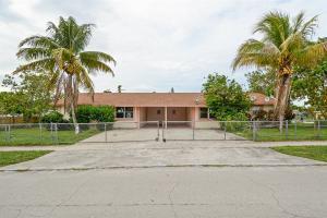 580 Alto Road  Boynton Beach, FL 33435
