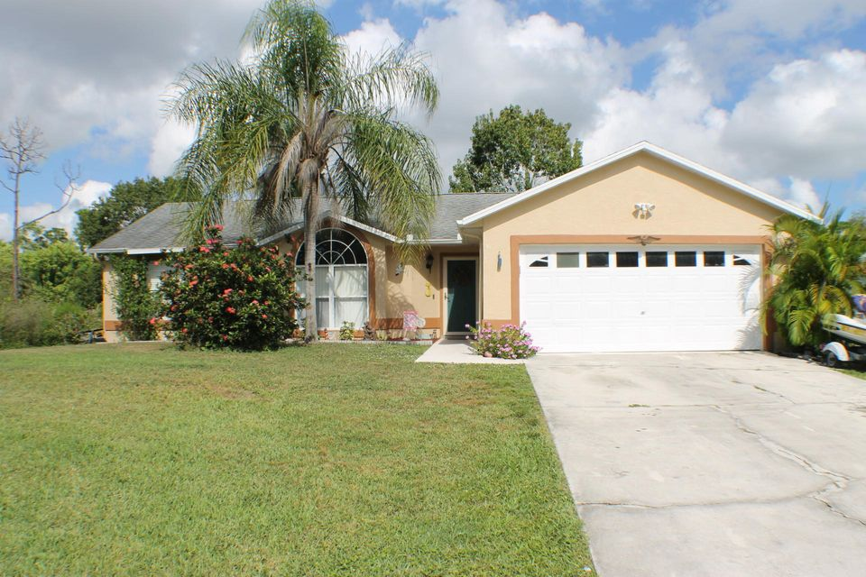 245 SW Christmas Terrace  Port Saint Lucie FL 34984