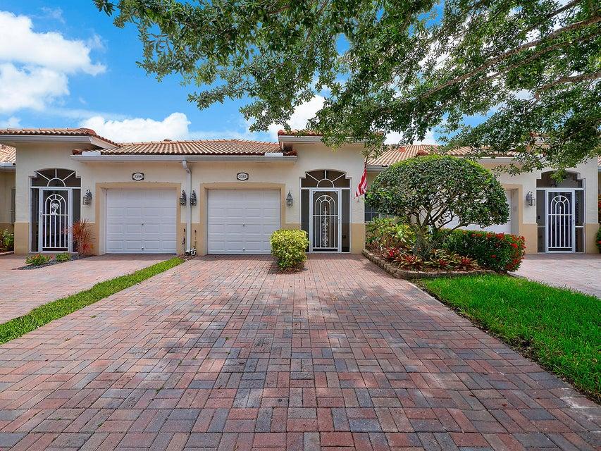2352 Windjammer Way West Palm Beach, FL 33411