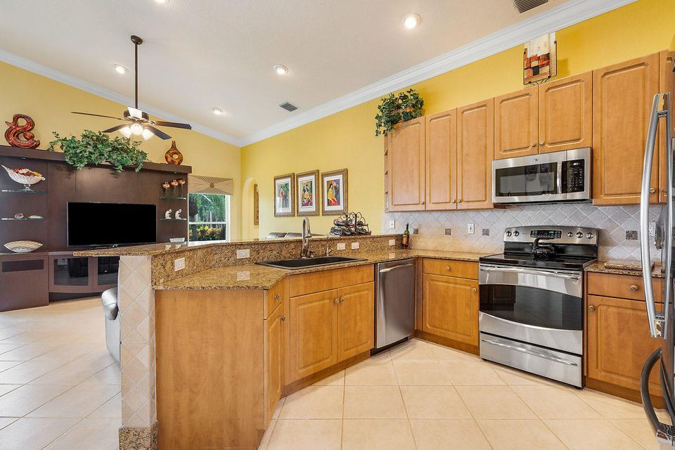 7069 Falls Road Boynton Beach FL 33437 - photo 2
