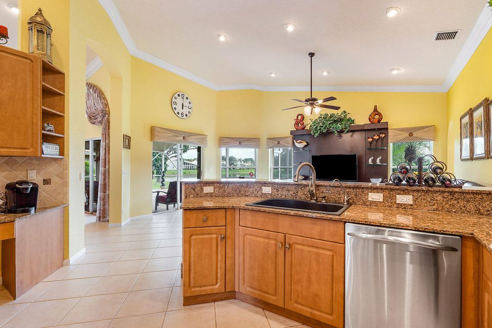 7069 Falls Road Boynton Beach FL 33437 - photo 5