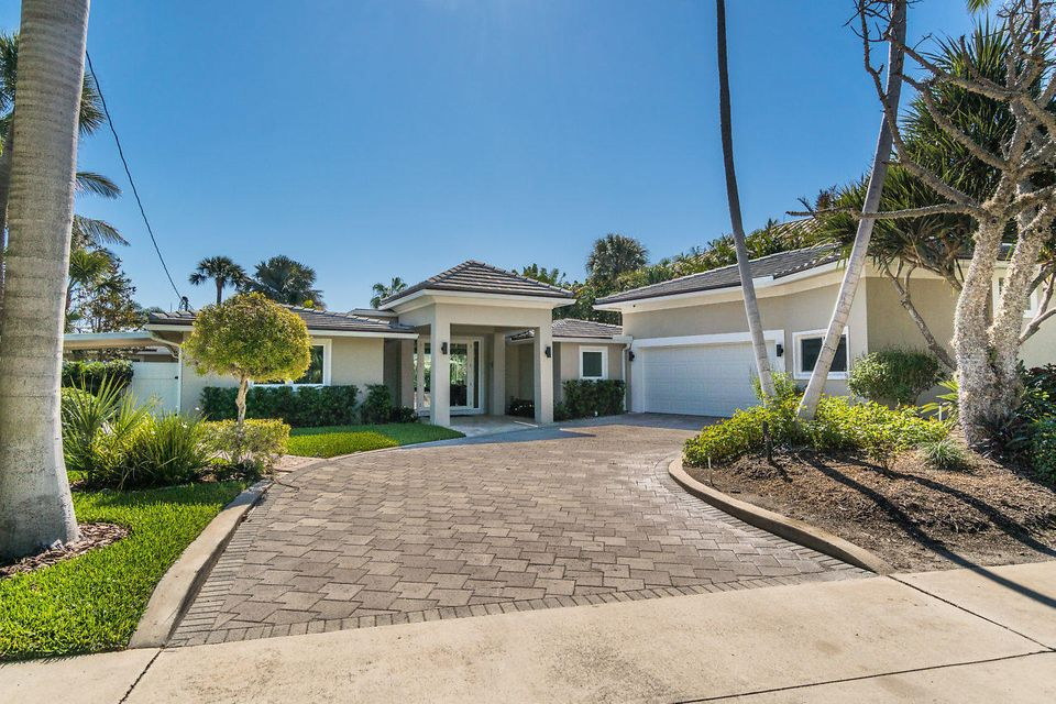 Home for sale in LAKESIDE POINT ADD TO LANTANA Lantana Florida