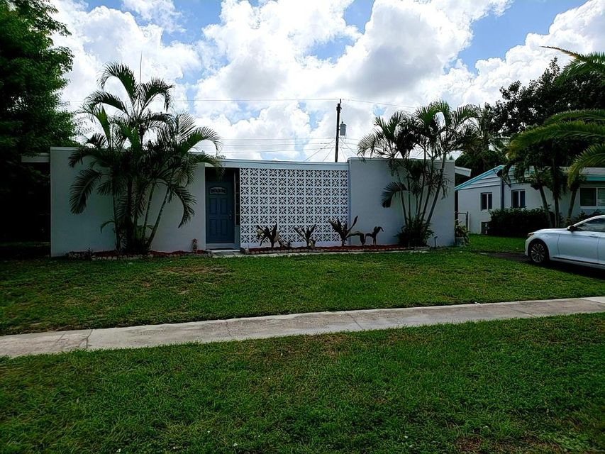 Home for sale in SEMINOLE MANOR 2 Lake Worth Florida