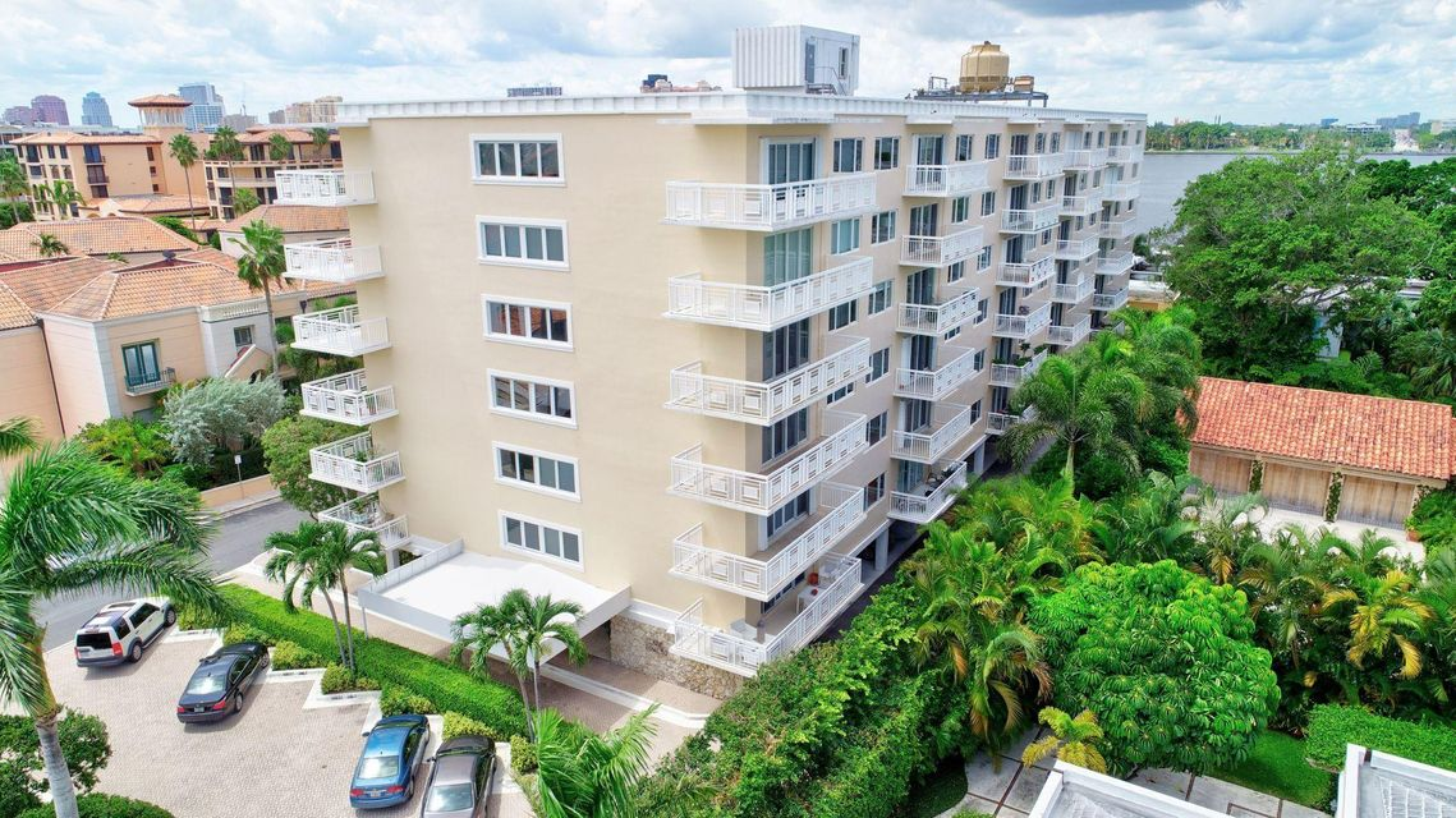 250 Bradley Place 408  Palm Beach FL 33480