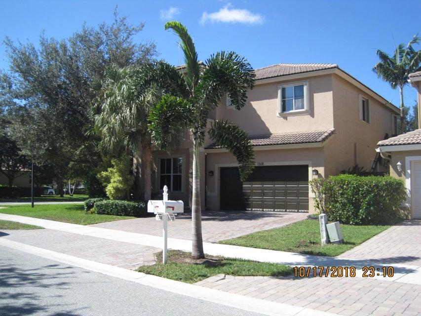 1308 E Magnolia Circle  Delray Beach, FL 33445