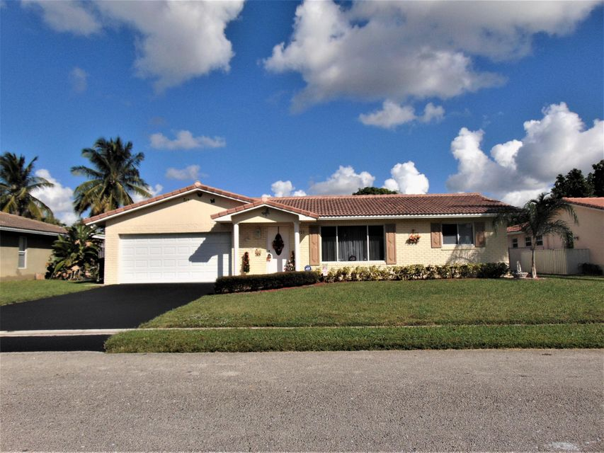 Home for sale in CASTLEWOOD Coral Springs Florida
